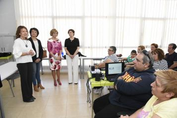 El Gobierno de Castilla-La Mancha casi cuadruplica esta legislatura el número de profesionales de intervención en los Programas de Familia