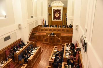 García-Page propone un 'cheque para la primera oportunidad' dirigida a los jóvenes que no hayan accedido al mercado laboral un año después de acabar su formación