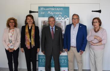 Las actividades de fomento del buen trato, puestas en marcha por el Gobierno regional, llegarán a más de 1.500 personas mayores de unos 100 municipios en 2019