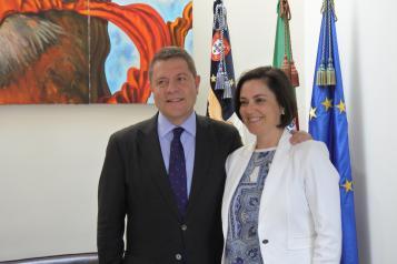 Emiliano García-Page traslada a la presidenta del Parlamento de las Azores la labor que se realiza desde la Asamblea de Regiones Vitícolas