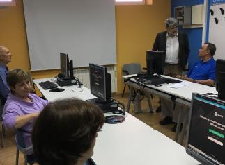 """El Gobierno regional apuesta por reducir la """"brecha digital generacional"""" con 20 cursos del programa CapacitaTIC+55 en la provincia de Toledo"""