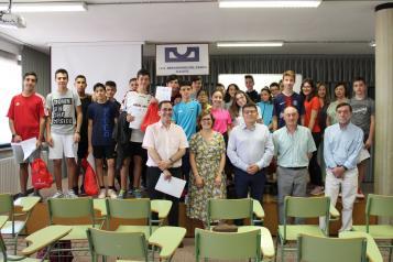 El Gobierno de Castilla-La Mancha entrega los premios del programa 'Clase sin Humo' a las clases ganadoras del concurso de eslóganes