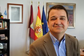 El Gobierno de Castilla-La Mancha ha enviado cuatro medios aéreos y 12 profesionales para colaborar en la extinción del incendio forestal de Tarragona