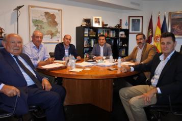 Martínez Arroyo aborda el futuro de la política del agua en su reunión con la Federación de Comunidades de Regantes de la Cuenca del Ebro