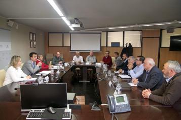 El consejero de Agricultura, Agua y Desarrollo Rural, Francisco Martínez Arroyo, mantiene un encuentro de trabajo con la sectorial del melón en Castilla-La Mancha