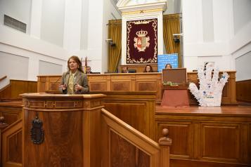 Las consejeras de Bienestar Social, Aurelia Sánchez asiste al Pleno de la Infancia en las Cortes Regionales con motivo del Día Internacional de la Infancia.