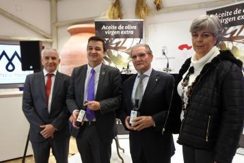 El consejero de Agricultura, Agua y Desarrollo Rural asiste a la presentación del aceite de oliva virgen extra de la nueva consecha 2019 de la DOP Montes de Toledo