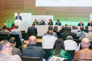El consejero de Agricultura, Agua y Desarrollo Rural, Francisco Martínez Arroyo, clausura la IX Asamblea General de la Federación Nacional de Asociaciones y Municipios con centrales hidroeléctricas y embalses