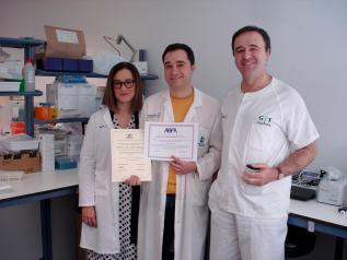 La comunidad científica entrega dos premios a un facultativo de las gerencias de Villarrobledo y Tomelloso por investigar sobre la enfermedad inflamatoria intestinal