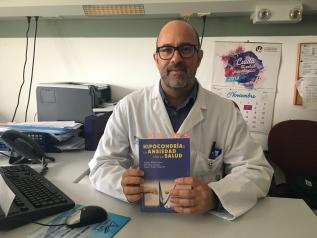 Un psicólogo clínico de la Unidad de Salud Mental de Albacete publica un manual sobre el diagnóstico y tratamiento de la hipocondría