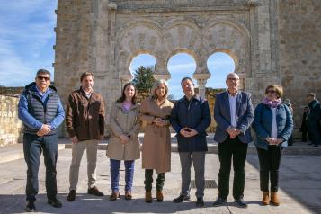 García-Page muestra su apoyo a las casas regionales de Castilla-La Mancha repartidas por España con el compromiso de visitarlas todas