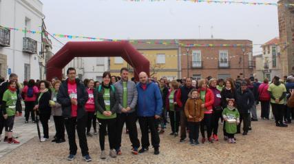 La consejera de Igualdad y portavoz del Gobierno regional, Blanca Fernández, asiste a la Marcha Solidaria contra el Cáncer de la Asociación Española Contra el Cáncer (AECC)