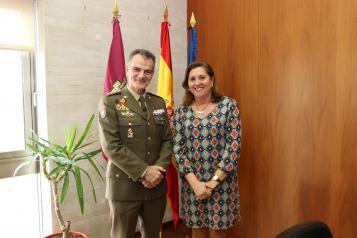 El Gobierno regional y la Academia de Infantería estrechan lazos para colaborar en futuros proyectos