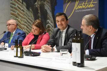 El consejero de Agricultura, Agua y Desarrollo Rural, Francisco Martínez Arroyo, interviene en la presentación oficial de las marcas del proyecto 'TalAOVEra', del Grupo Cooperativo Oleotoledo