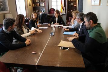 El Gobierno de Castilla-La Mancha beneficia a más de 77.500 personas mayores con el Programa de Podología Itinerante en el medio rural
