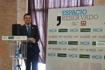El consejero de Agricultura, Agua y Desarrollo Rural, Francisco Martínez Arroyo, protagoniza el desayuno 'Espacio Reservado'