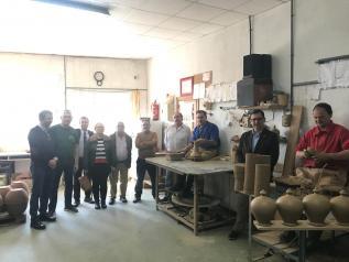 El Gobierno regional reitera su apoyo para seguir impulsando y promocionando la cerámica de Talavera y Puente del Arzobispo