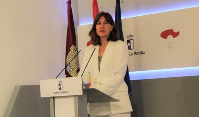 La consejera de Igualdad y portavoz del Gobierno regional, Blanca Fernández, ofrece una rueda de prensa