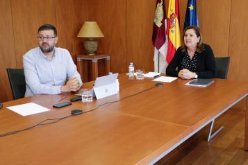 El Gobierno regional comienza una ronda de contactos con colectivos educativos para elaborar una propuesta de planificación del próximo curso
