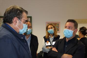 El presidente García-Page se desplaza a Hellín para conocer la situación del hospital