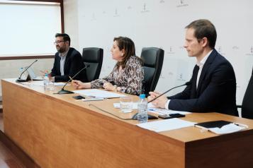 El Gobierno regional repartirá cerca de 36.900 mascarillas a los centros educativos y a las universidades para la celebración de la EVAU