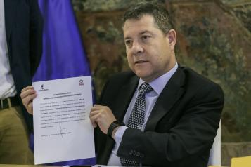 Firma del documento de adhesión al Manifiesto por una Recuperación Económica Sostenible (I)