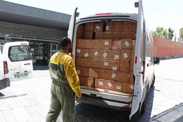 El Gobierno de Castilla-La Mancha ha distribuido en las dos últimas semanas más 6,5 millones de artículos de protección para los profesionales sanitarios