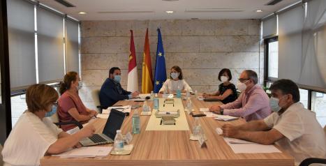 El Gobierno de Castilla-La Mancha actualiza las condiciones mínimas de calidad en los centros residenciales