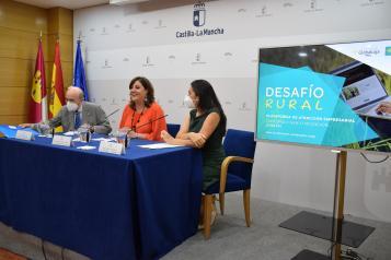 La consejera de Economía, Empresas y Empleo, Patricia Franco, asiste a la presentación de la campaña 'Desafío Rural' de la Fundación Horizonte XXII de Globalcaja