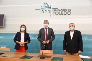 La consejera de Bienestar Social, Aurelia Sánchez, firma un convenio de colaboración con la Diputación de Toledo para la prestación de servicios y ayudas de urgencia para paliar situaciones de necesidad o vulnerabilidad social.