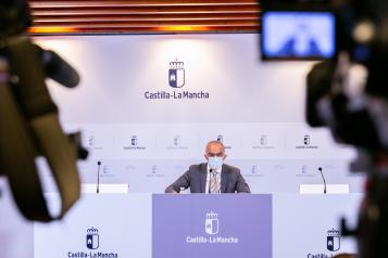 El director general de Salud Pública, Juan Camacho, informa de la situación actual de la pandemia por COVID-19