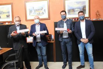 El delegado de la Junta en Albacete visita Transportes Caudete