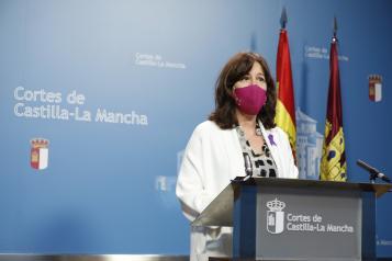 Blanca Fernández comparece en la Comisión de Presupuestos de las Cortes regionales