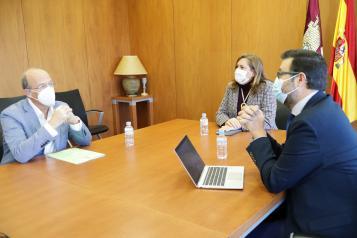 El Gobierno regional muestra su compromiso con el alumnado de Las Pedroñeras con la construcción de un nuevo centro educativo