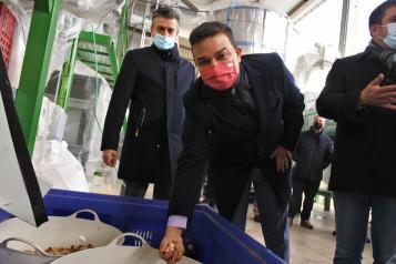El consejero de Agricultura, Agua y Desarrollo Rural, Francisco Martínez Arroyo, visita las instalaciones de la Sociedad Agraria de Transformación Pistachos del Campo de Villacañas