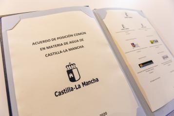 """Castilla-La Mancha se une en un acuerdo """"mérito de todos"""" que garantizará el futuro de las generaciones venideras con el acceso al agua"""