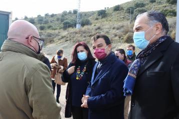 EL VICEPRESIDENTE DE CASTILLA-LA MANCHA Y EL CONSEJERO DE AGRICULTURA, AGUA Y DESARROLLO RURAL VISITAN LAS OBRAS DE EMERGENCIA PARA LA MEJORA DEL DEPÓSITO Y EL GRUPO DE BOMBEO DE AGUA DE LA MANCOMUNIDAD 'EL GIRASOL'