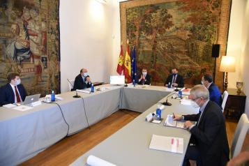 Foto de Archivo reunión García-Page y Ábalos