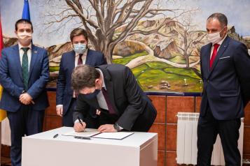 Firma de convenio en materia de carreteras con la Diputación de Albacete (Fomento)