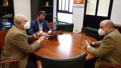 Sanidad y la AECC en Ciudad Real, unidos en el desarrollo de proyectos que mejoren la comunicación de los pacientes oncológicos