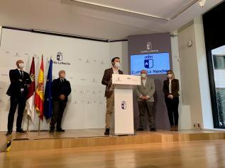 El consejero de Desarrollo Sostenible, José Luis Escudero, durante su comparecencia en la Casa Perona, sede de la Delegación de la Junta en Albacete, con motivo del Día Mundial de la Eficiencia Energética