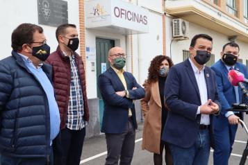 El consejero de Agricultura, Agua y Desarrollo Rural, Francisco Martínez Arroyo se desplaza a Bodegas La Remediadora para conocer las últimas inversiones realizadas en sus instalaciones
