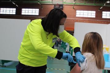 Inicio del proceso de vacunación a profesionales del ámbito educativo