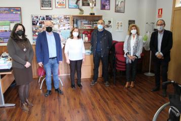 Ruiz Santos visita AFIBROVI, AFA y Parkinson Villarrobledo