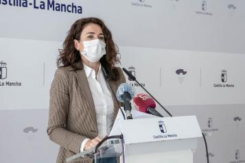 Nuria Chust comparece en rueda de prensa para analizar los datos del paro de marzo