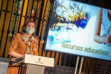 La consejera de Educación, Cultura y Deportes, Rosa Ana Rodríguez, presenta, en el Museo de Santa Cruz, el Plan de digitalización de los museos y recursos interactivos educativos de Castilla-La Mancha.