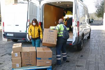 El Gobierno de Castilla-La Mancha continúa distribuyendo artículos de protección en los centros sanitarios con más de 300.000 durante esta semana