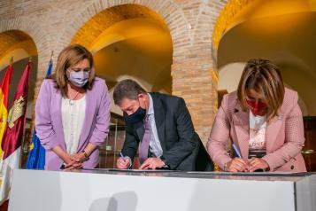 Convenio para la cesión de piezas al Museo Ruiz de Luna de la Ciudad de la Cerámica (Educación)