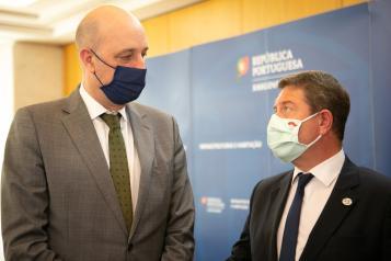 El presidente de Castilla-La Mancha se reúne con el secretario de Estado de Infraestructuras del Gobierno portugués
