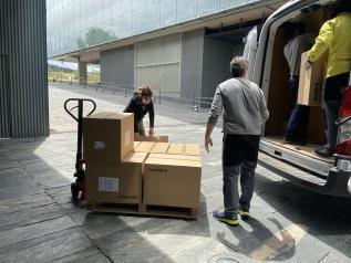 El Gobierno de Castilla-La Mancha ha distribuido esta semana cerca de 260.000 artículos de protección a los centros sanitarios